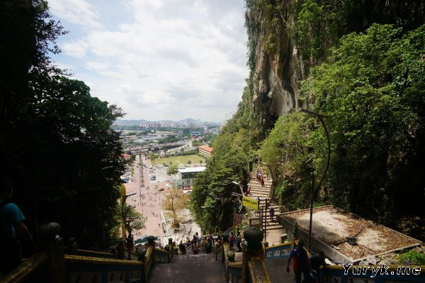 Пещеры Бату - вид сверху