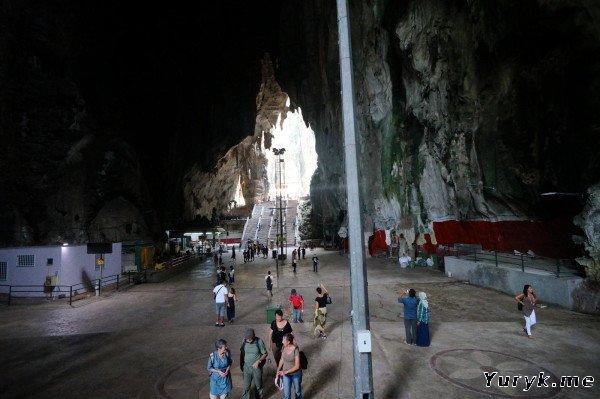Пещеры Бату - внутри Храмовой пещеры