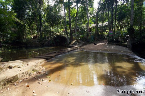 Дорога к водопаду Клонг Чао Лыам