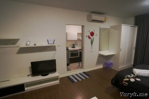 Студия Baan Khu Kieang - гостиная / спальная комната